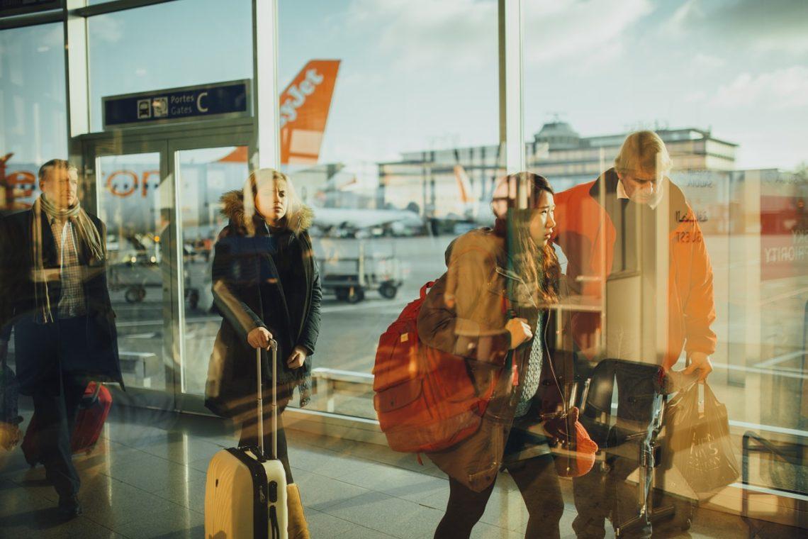 Sospesa nuova policy bagaglio a mano Ryanair e Wizz