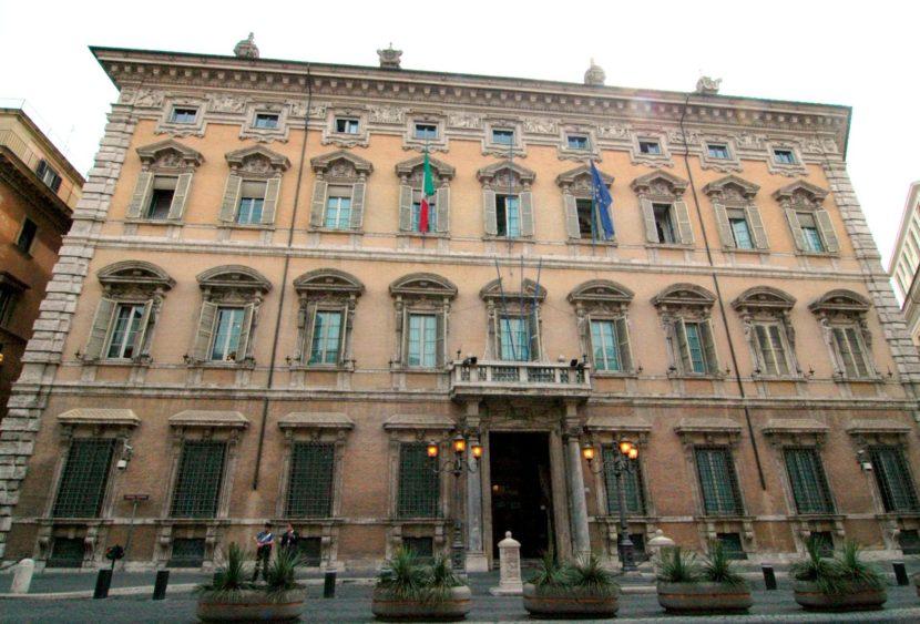 """""""Addio Vitalizi!"""": il Senato approva la delibera sui tagli"""
