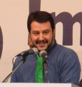 Matteo_Salvini,_discorso_a_Torino_(12_ott_2013)