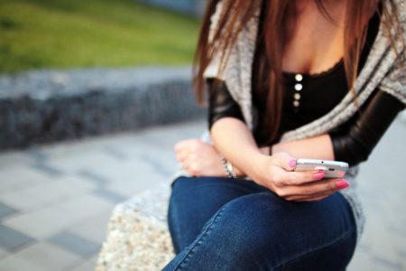 donna-sbircia-smartphone-partner