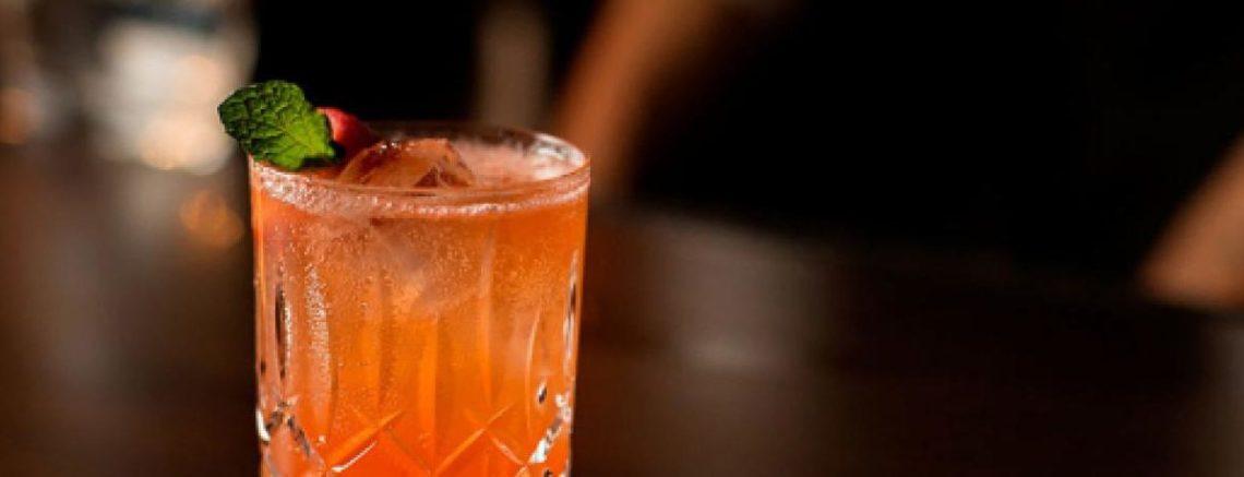 Scoperta la cannuccia antistupro: mai più droghe nei cocktail!