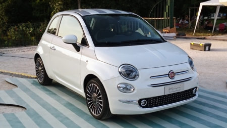 __15_-_ITALY_-_Fiat_500_restyling_in_Sempione_Park_(Sforzesco_Castle)_in_Milan_-_world_premier_2015_Hatchbacks_purple_lounge_and_white_sport_03
