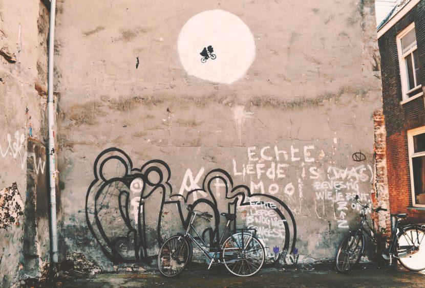 Banksy augura buon Natale con una nuova opera di denuncia sociale