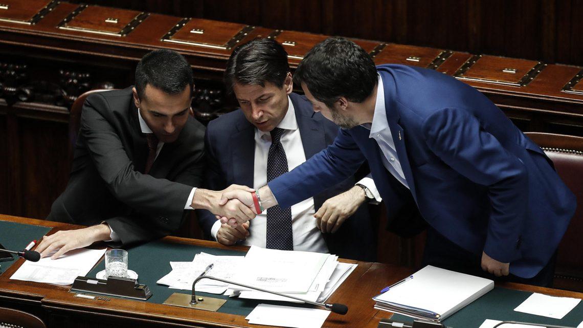 Le novità della Manovra: dal bonus per le auto elettriche ai fondi per le buche di Roma