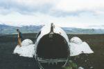 Uomo morto durante un volo in aereo, cosa gli è successo?