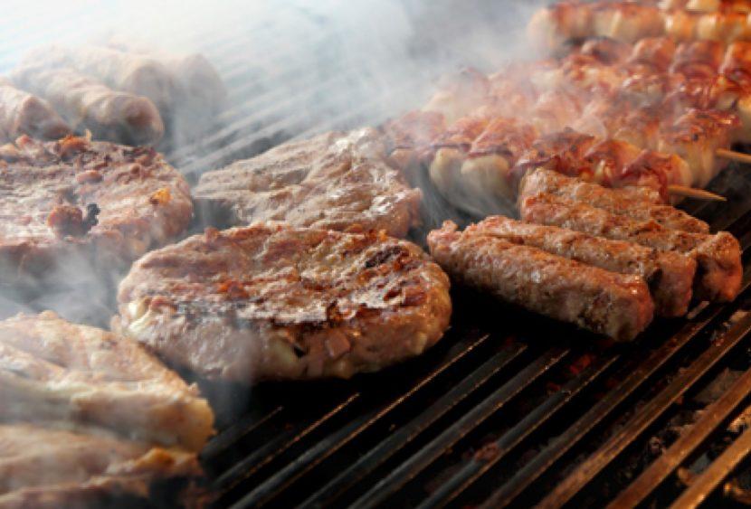 Ti piace la grigliata di carne? Ecco 4 consigli per renderla salutare