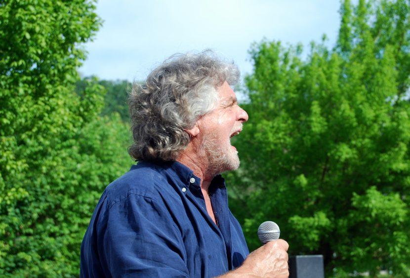 """Beppe Grillo e quell'""""Insomnia""""per analizzare il mondo"""
