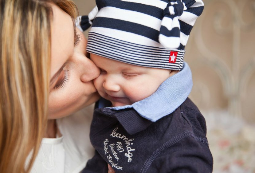 Otto consigli salvavita che nessuno dà alle neo-mamme