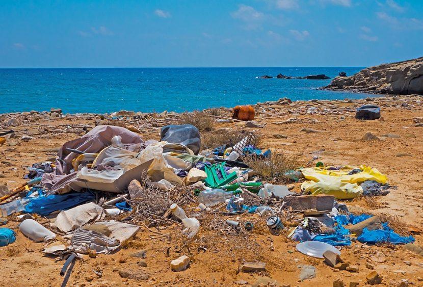 Regione Puglia: dal 2019 addio alla plastica sulle spiagge