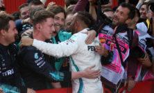 F1, UK: Hamilton vince su tre ruote a Silverstone, Leclerc terzo
