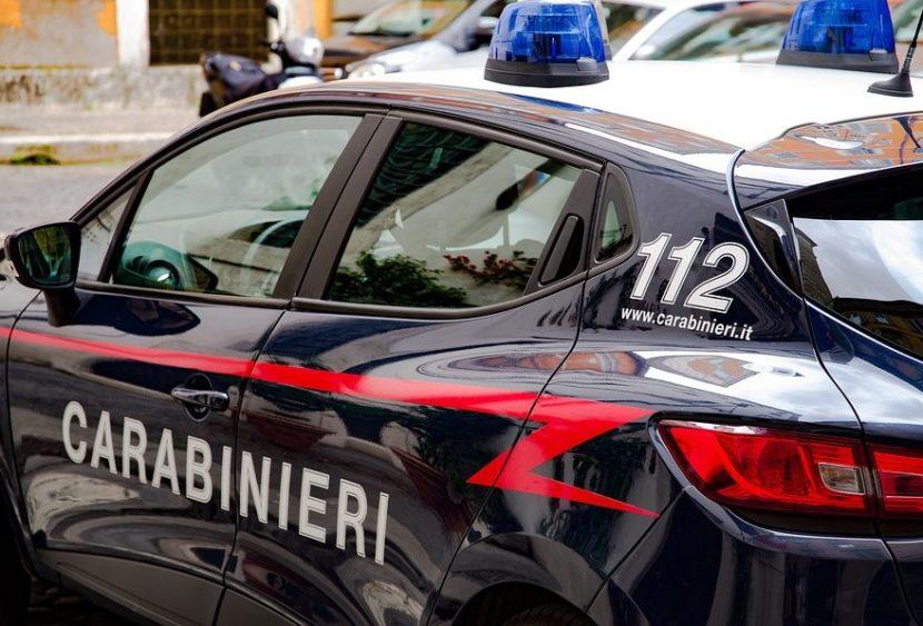 Aggrediscono i Carabinieri intervenuti per sedare una lite: un arresto e tre denunce in stato di libertà