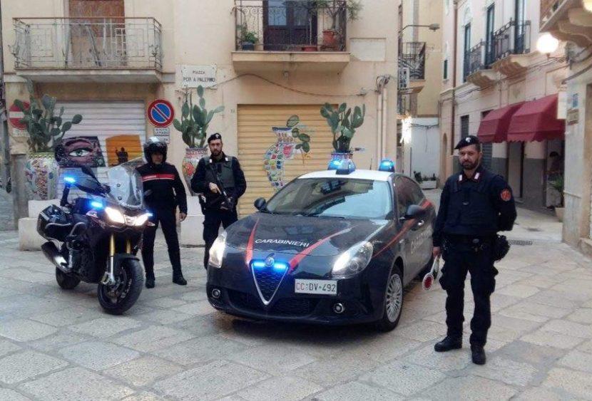 Mazara del Vallo, controlli dei carabinieri: arresto per evasione, un denunciato per spaccio e contravvenzioni al codice della strada