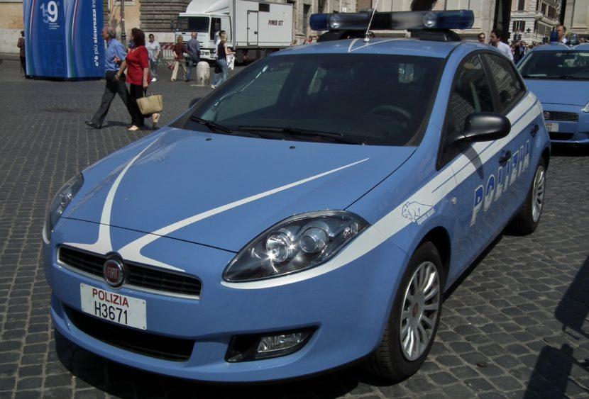 Torino: topo d'auto si finge amico del proprietario del veicolo. Scoperto dalla polizia.