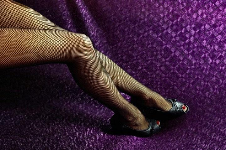 """Case di prostituzione in pieno centro: servizio """"privato"""" fa scattare le indagini"""