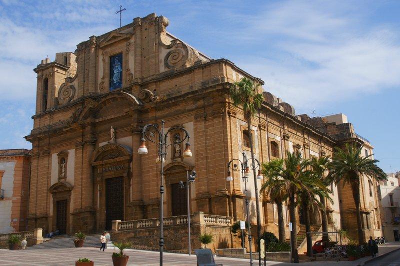 Viaggio nella basilica di Maria del soccorso a Sciacca