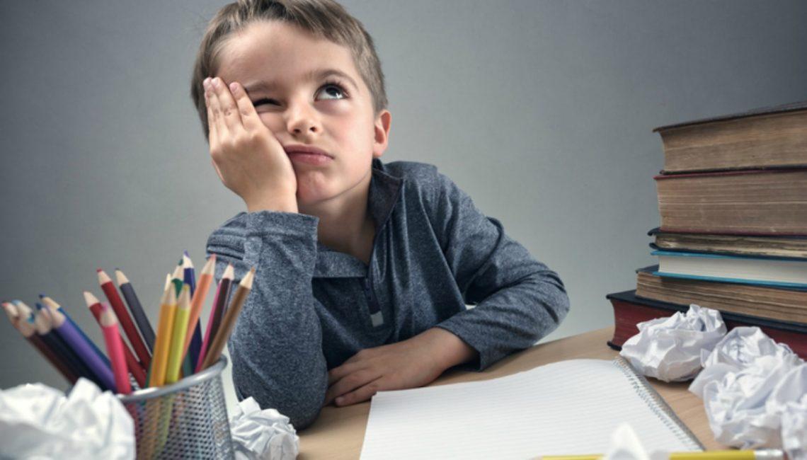 Meno compiti a casa, più libri da leggere: ecco come avere buoni voti a scuola