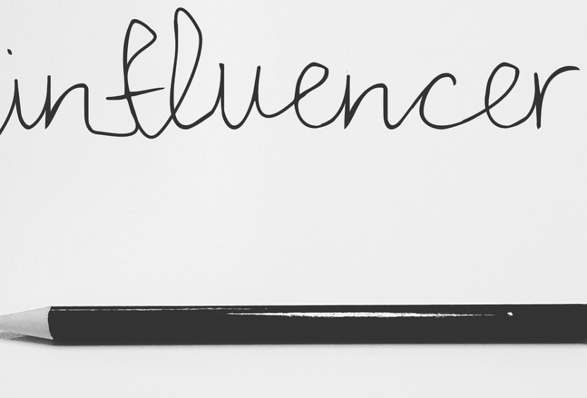 Come si diventa influencer? Ecco la guida verso il successo sui social