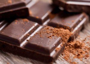 Mangiare cioccolato fondente guarisce la disfunzione erettile