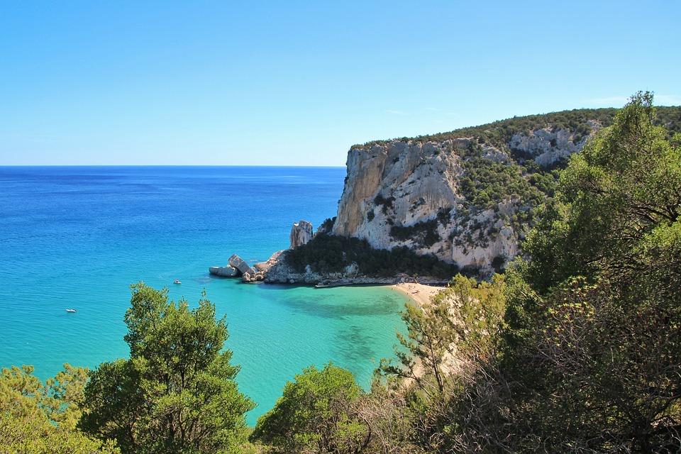 È arrivata l'estate, 30 gradi in Sardegna