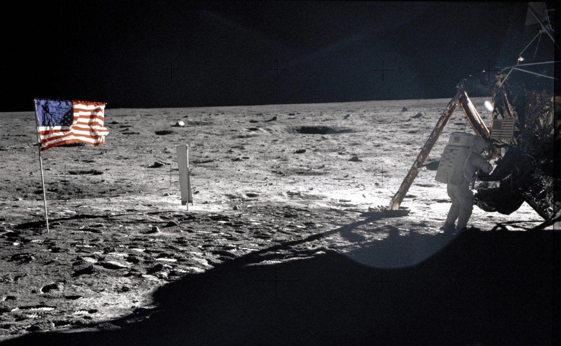 """""""Un grande balzo per l'umanità"""": 50 anni fa, l'uomo sbarcava sulla Luna"""