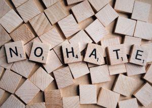 Twitter contro la discriminazione religiosa: cancella i post di odio