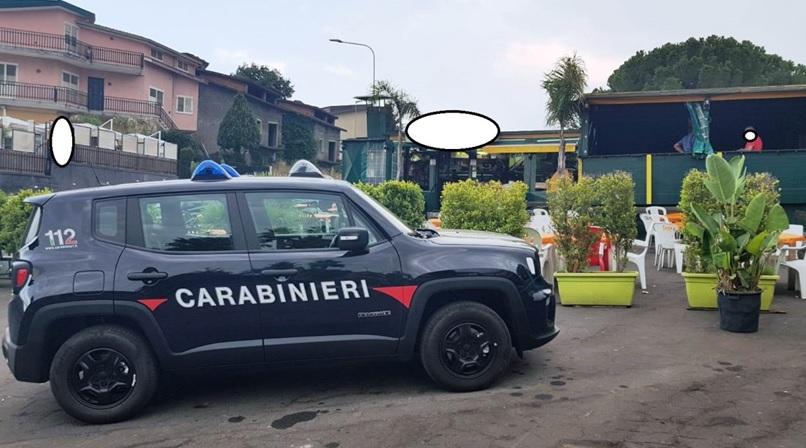 """""""Gamba tesa"""" nel Catanese: cibi in cattivo stato, chiuso ristorante. Irregolarità in panineria"""