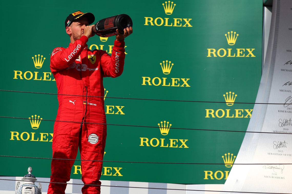 Doppietta Ferrari a Singapore, Vettel vince la prima gara stagionale