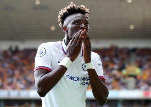 Premier League: Chelsea straripante con un Abraham da record, City ko
