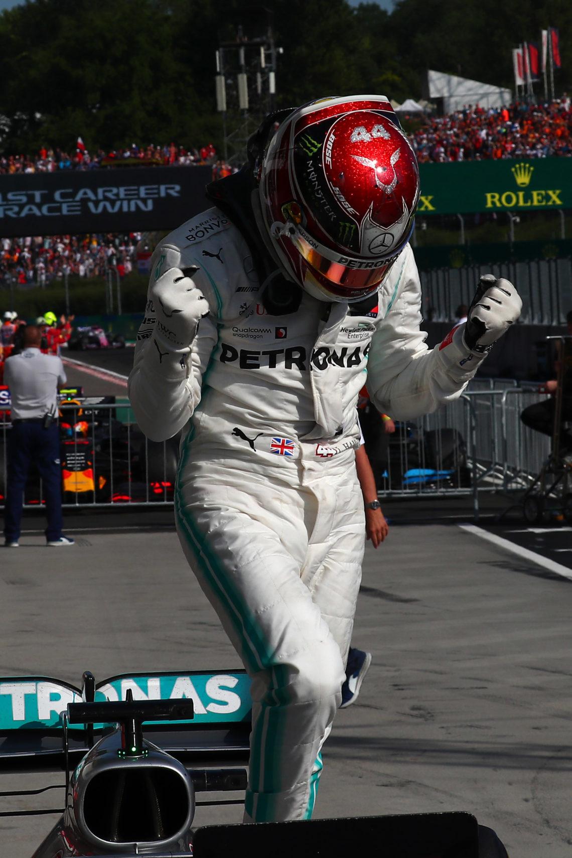 F1, Lewis Hamilton vince il GP del Messico e si avvicina al mondiale: secondo Vettel poi Bottas