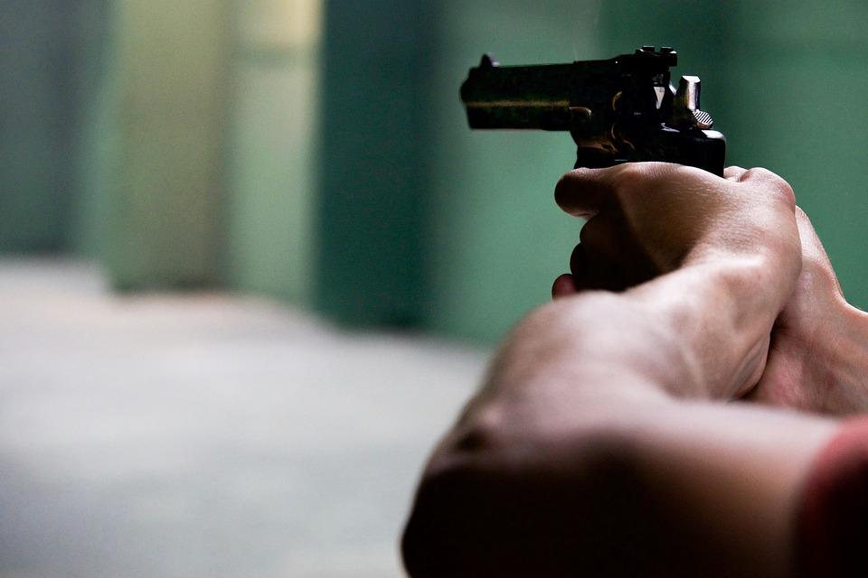 Trieste, arrestato diciannovenne per detenzione di arma clandestina