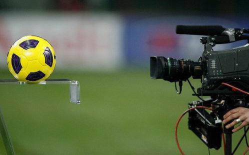 Calcio in tv: prezzi in calo per le partite di Serie A e per i pacchetti combinati