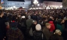 Sardine, in 30mila a Torino riempiono piazza Castello