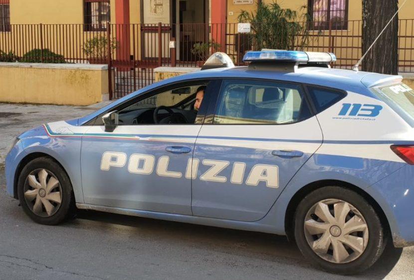 Palermo: arrestato un uomo che aveva rapinato una cittadina in strada