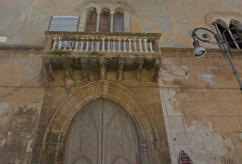 Il palazzo Arone di Valentino (detto dei forni), a Sciacca