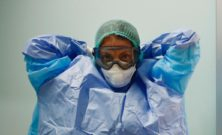 Fase due: il Coronavirus sopravvive su una mascherina per giorni