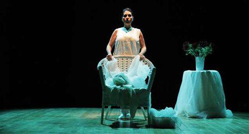 """Sul palco di Roots in scena """"Sempre Tua"""", una storia d'amore, possesso e violenza"""