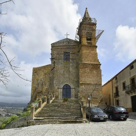 Una piccola perla a Sambuca di Sicilia: la Chiesa Madre