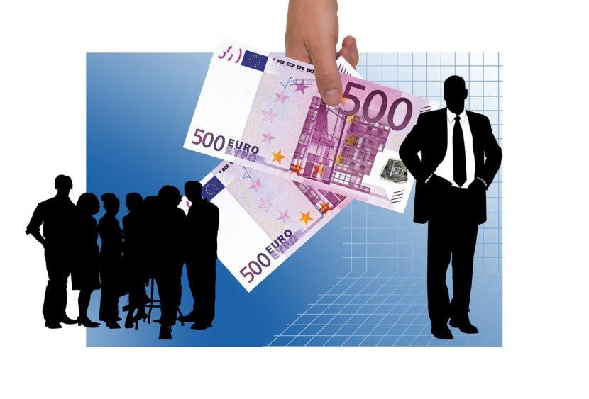 Partite IVA e autonomi all'estero prendono almeno il doppio dei 600 euro italiani