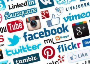Perché gli italiani si iscrivono e navigano sui social networks?