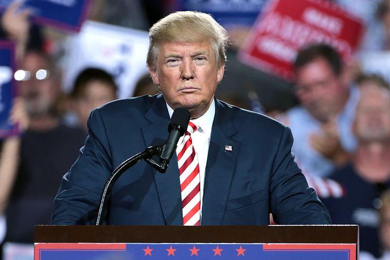 Twitter: i giorni di fuoco dell'America attraverso le parole di Trump