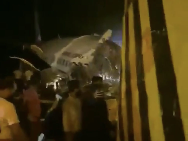 Volo Air India si schianta a Calcutta: 190 i passeggeri, diversi morti – VIDEO