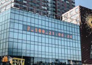 A Manhattan il Climate clock: quanto manca per fermare il riscaldamento?
