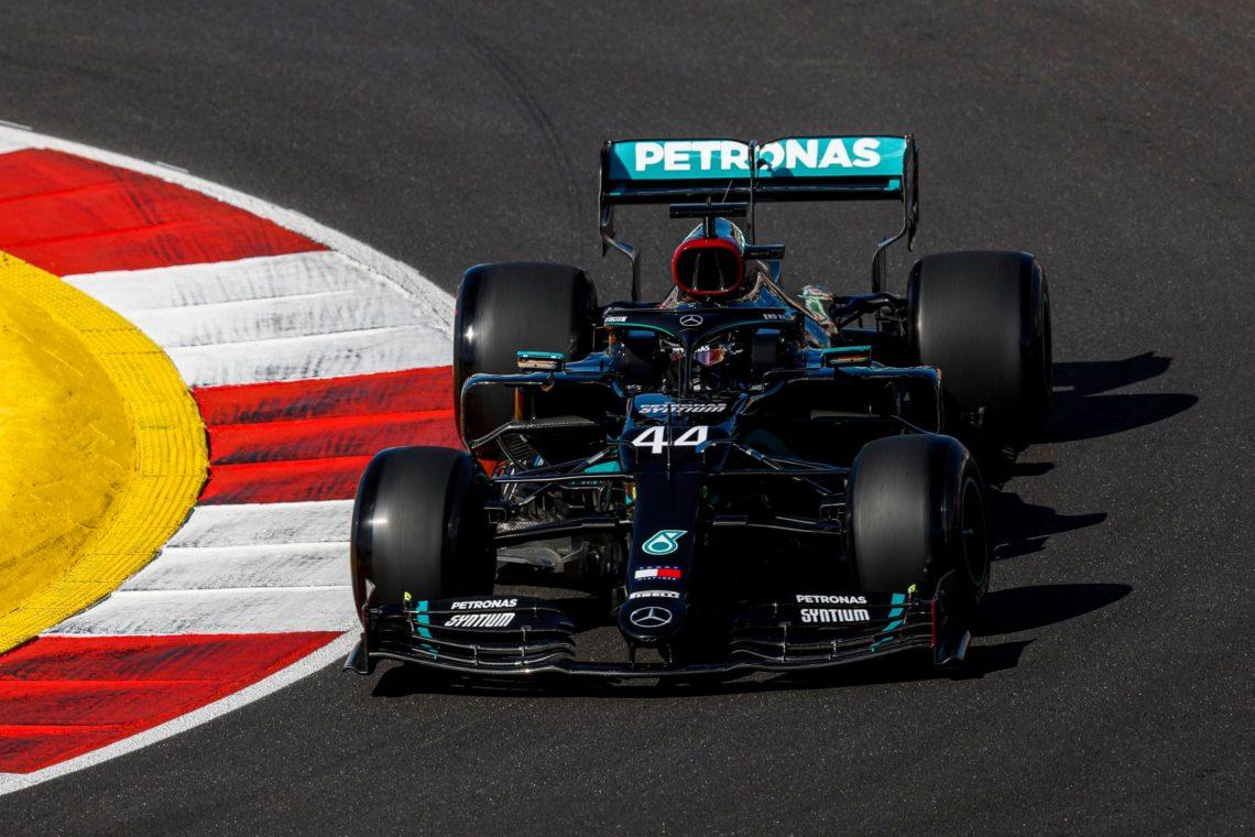 F1,  Hamilton conquista pure il Portogallo: è superpole a Portimao