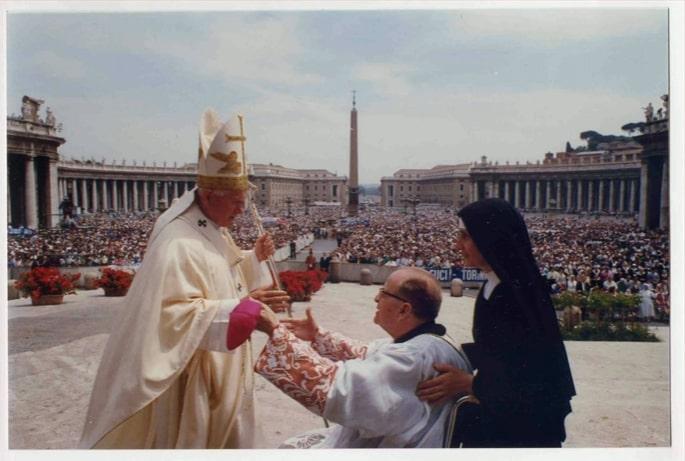 Cento anni fa nasceva San Giovanni Paolo II, rubate le sue reliquie
