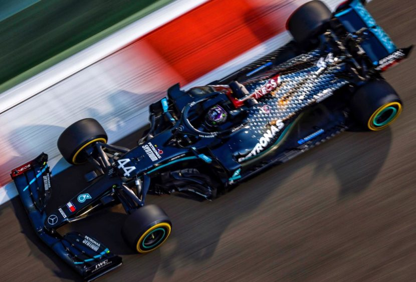 F1, Verstappen vola ad Abu Dhabi: è super pole a Yas Marina