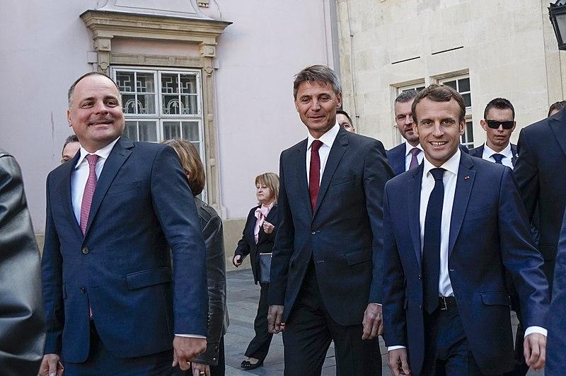 Il presidente francese Macron è positivo al covid, in isolamento per 7 giorni