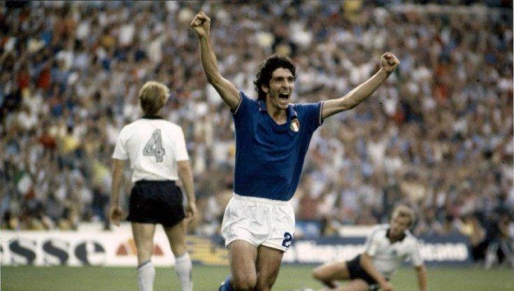 Ciao Pablito: eleganza, menisco di cristallo e calcio romantico. L'Italia ti ringrazia