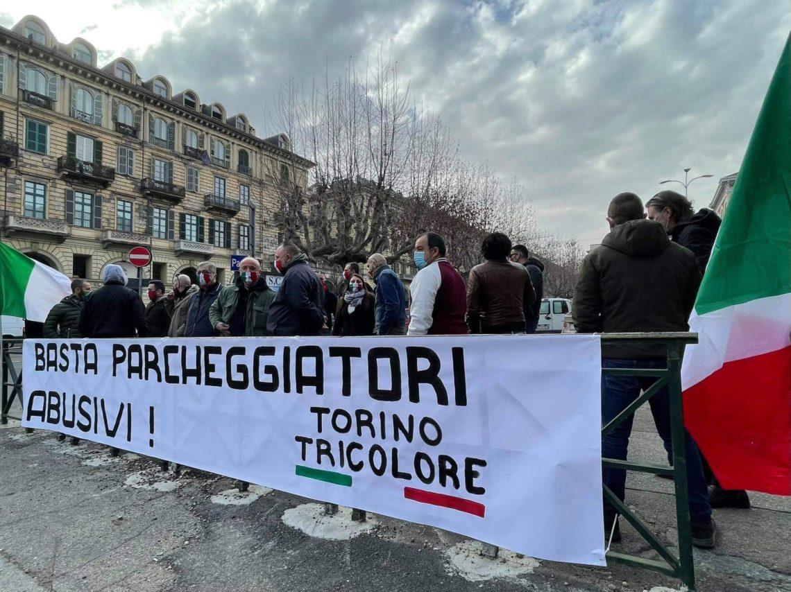 Parcheggiatori abusivi a Porta Nuova, interviene Torino Tricolore