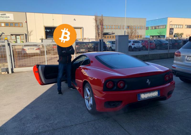 Tesla battuta, ecco la prima Ferrari 360 Modena venduta in bitcoin