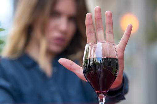 Giano dell'Umbria, si reca ubriaca a casa dell'ex compagno: viene denunciata